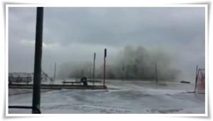 VIDEO | Fortissima mareggiata a Catanzaro Lido