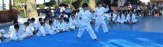 """La festa del Taekwondo al """"Bounty"""" di Soverato"""