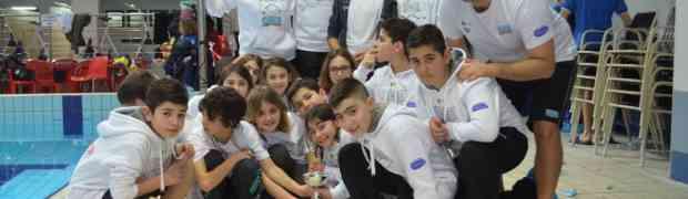 Nuoto - Terzo posto per la Calabria Swim Race ai campionati regionali