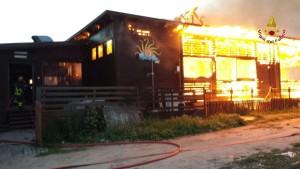Catanzaro – Incendio di un lido balneare, indagini
