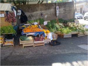 Continua la battaglia contro l'esposizione inadeguata della frutta