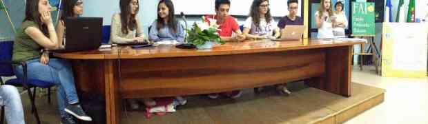 Consegna degli attestati FAI agli allievi della II e IV E del Liceo Scientifico di Soverato
