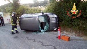 Chiaravalle – Fiat Panda perde il controllo e si ribalta, ferito il conducente