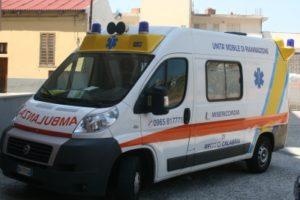 Scontro tra furgone e moto, muore uomo di 34 anni