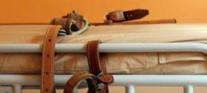 Disabile strangolato in clinica dalle cinghie di contenzione, 5 indagati