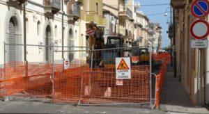 Soverato, lavori di restyling su corso Umberto: alcuni negozi rischiano la chiusura