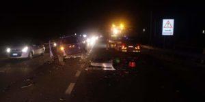 Brutto incidente sulla Ss 106, tre le auto coinvolte