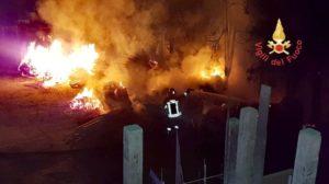 Incendio in un cantiere edile a Germaneto, indagini sulle cause