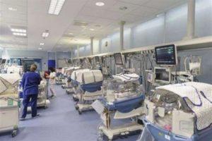Donna di 35 anni dà alla luce un bambino e muore poco dopo in ospedale, avviate indagini