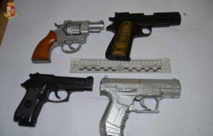 Lite sul conto e minacce ai ristoratori con pistole a salve, 4 giovani denunciati