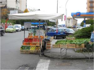 Asp Catanzaro: Contrasto all'esposizione inadeguata dei prodotti orto-frutticoli