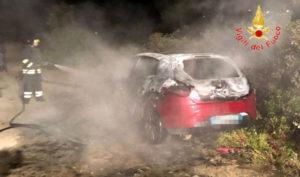 Diverse auto in fiamme nel catanzarese, indagini