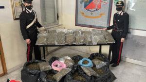 Un deposito di droga nascosto in casa, coppia di coniugi arrestata